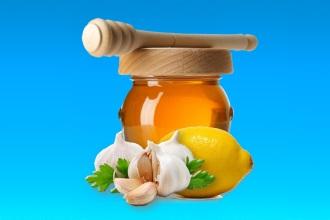 Смесь из меда, лимона и чеснока