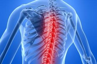 При остеохондрозе могут появится боли в грудной клетке